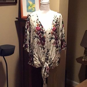 NWT LUQ Floral top from Stitch Fix